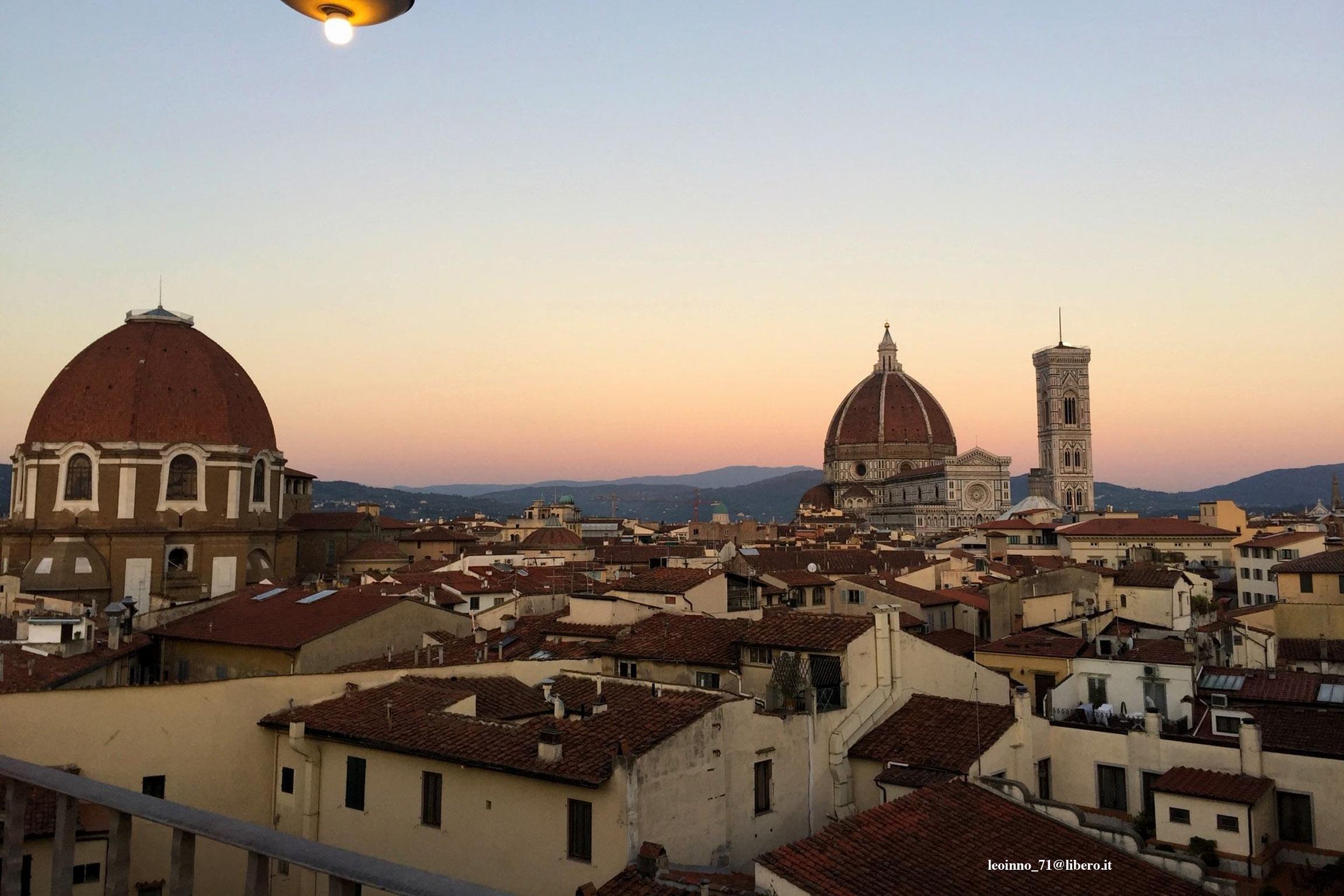 Panorama di Firenze: tetti delle case con Cattedrale