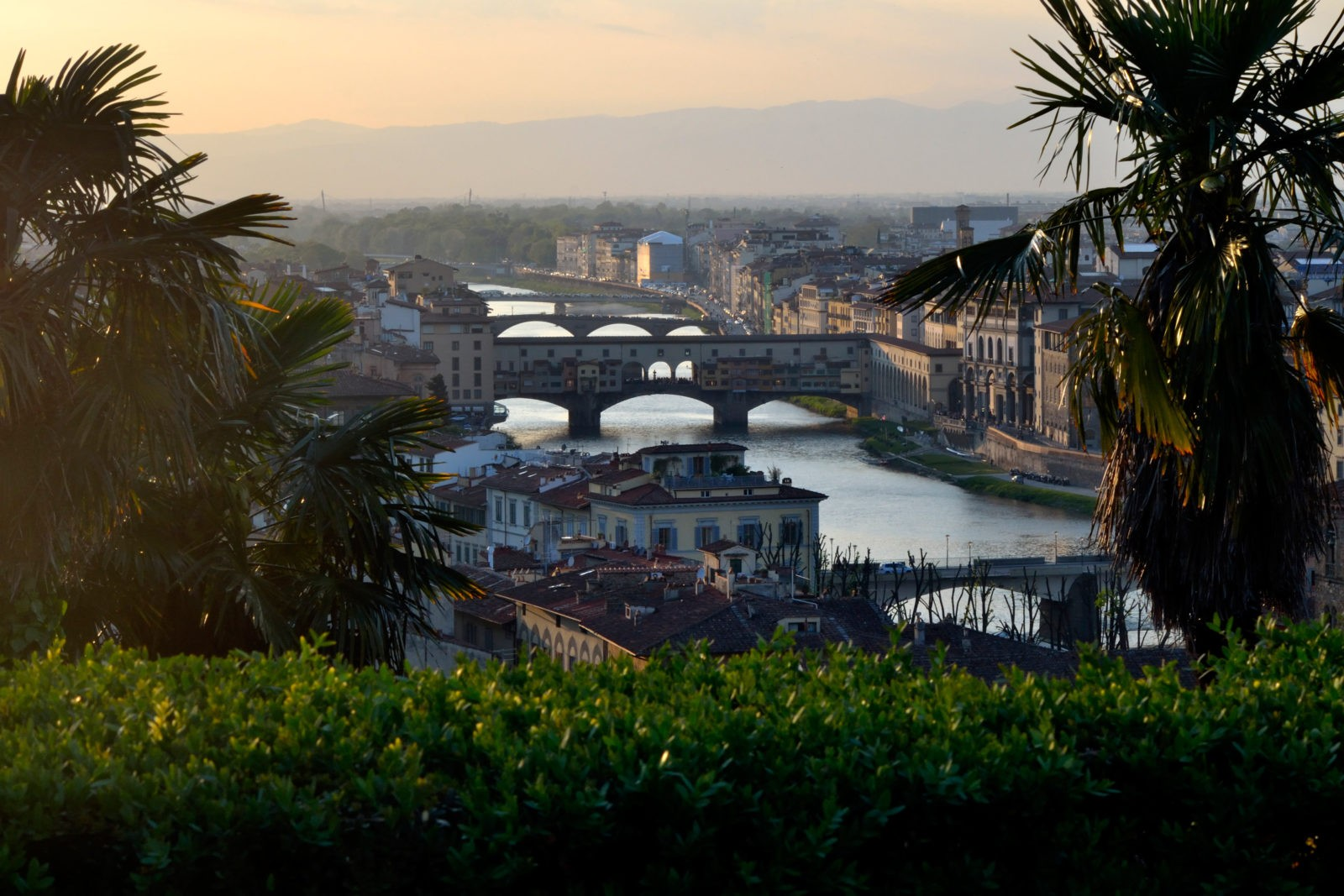 Leonardo_Innocenti_panoramica_ponte-vecchio_bed_and_breakfast_a_casa_di_virgilio_firenze